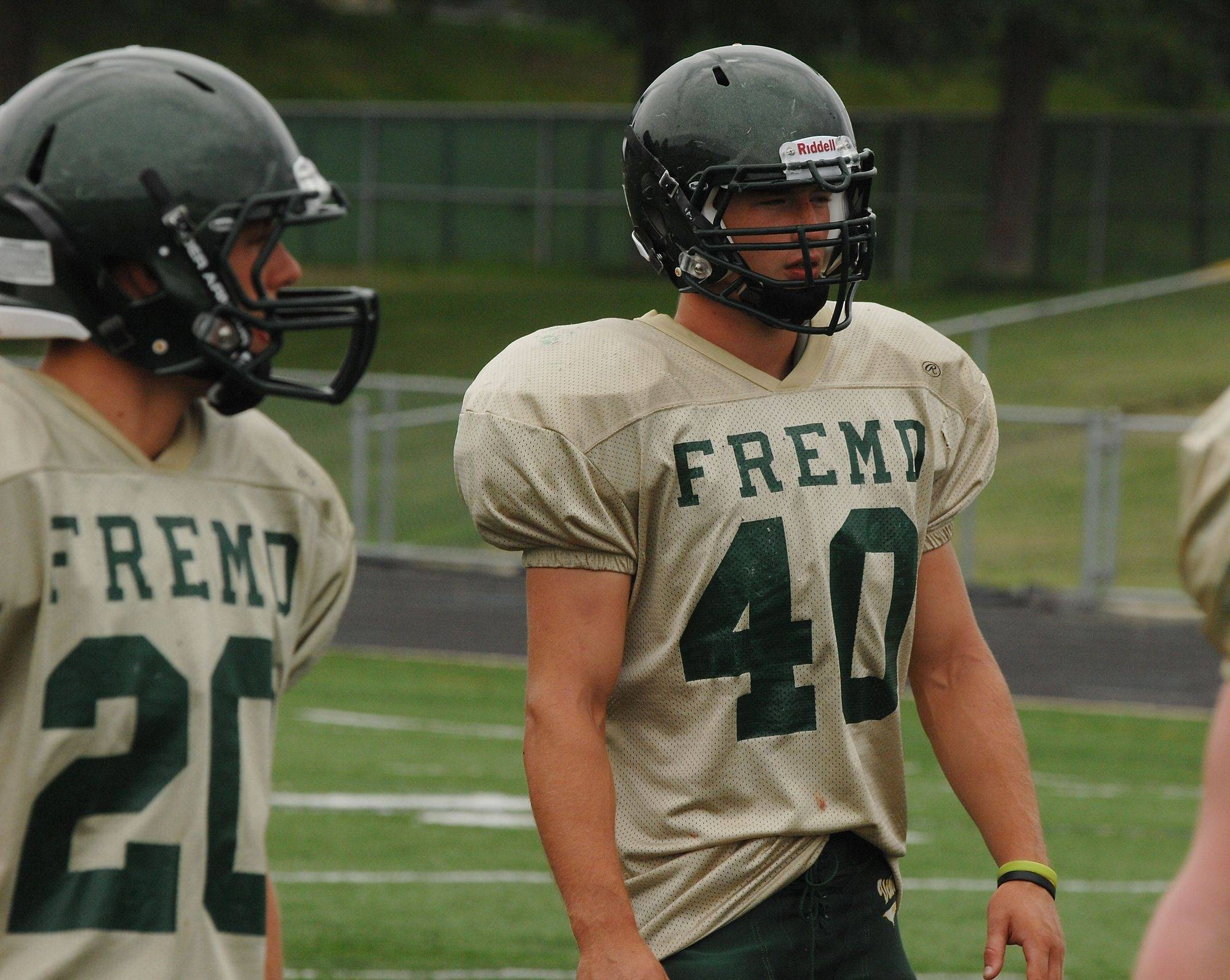 Fremd's Michael Sahli gets ready to run a scrimmage play during Tuesday's drills.