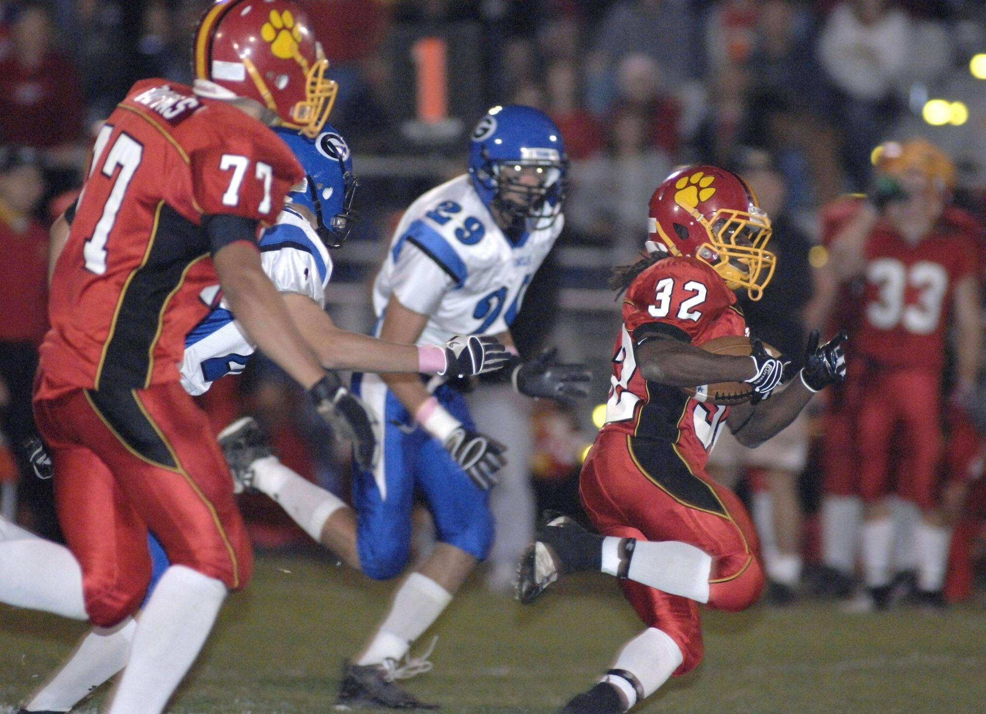 WEEK 6- Batavia's Edmund Kabba makes a rush for the goal line in the third quarter.