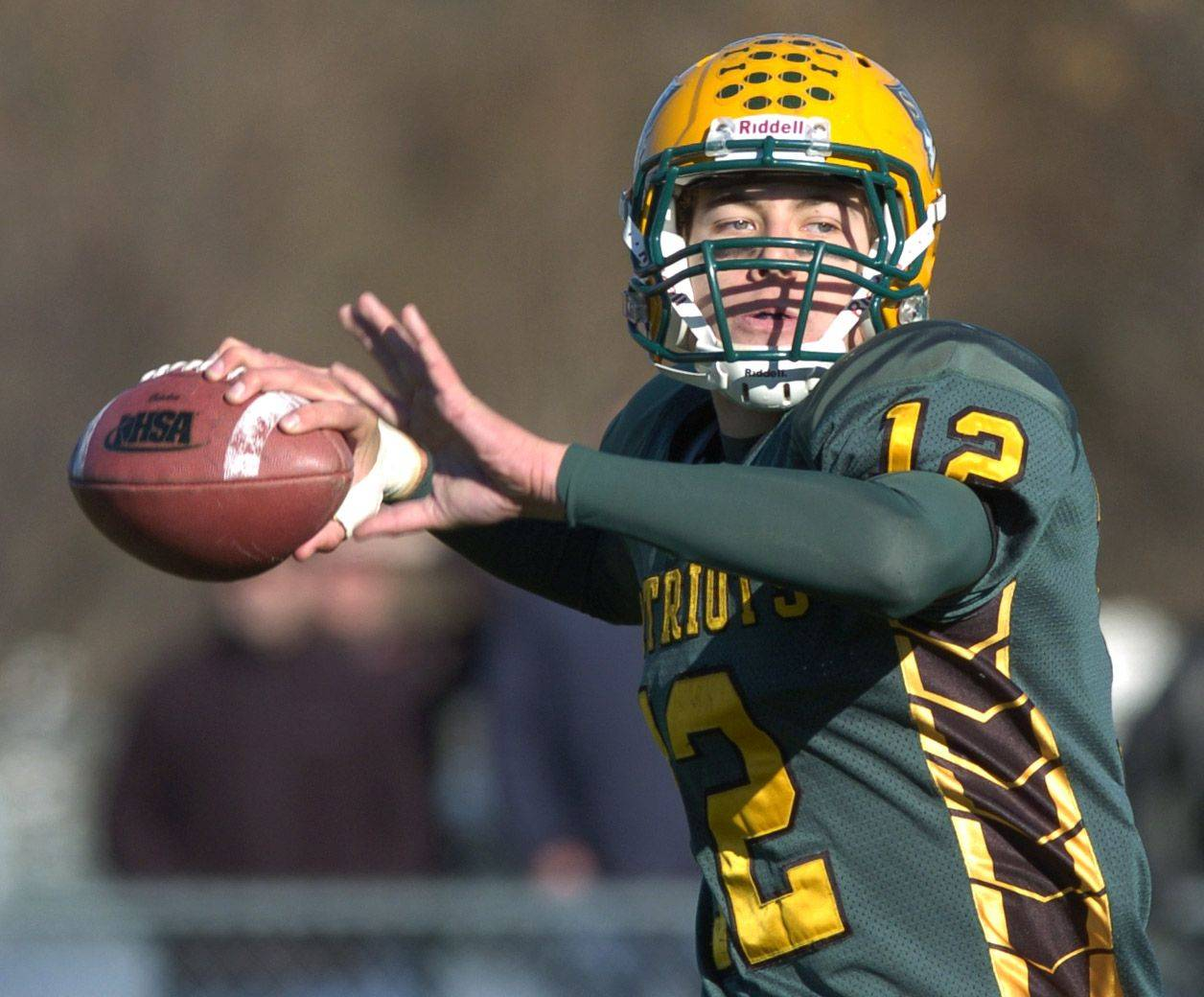 Stevenson quarterback Kevin Earl throws a pass during Saturday's game against South Elgin.