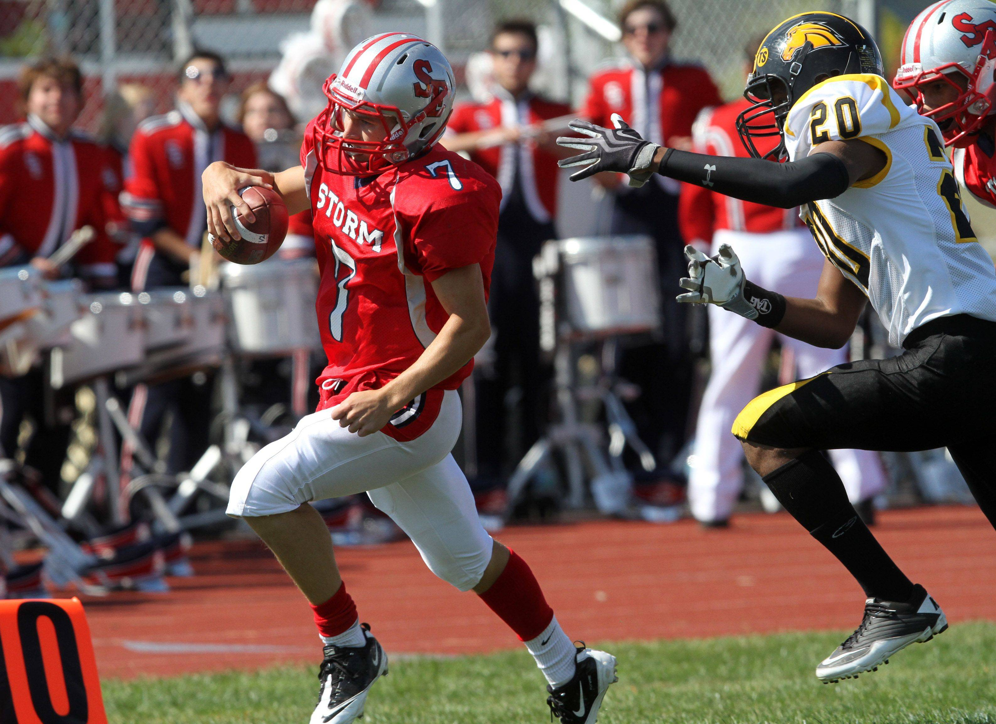 South Elgin's Zachary Gross scores the team's first home-field touchdown against Metea Valley Saturday.
