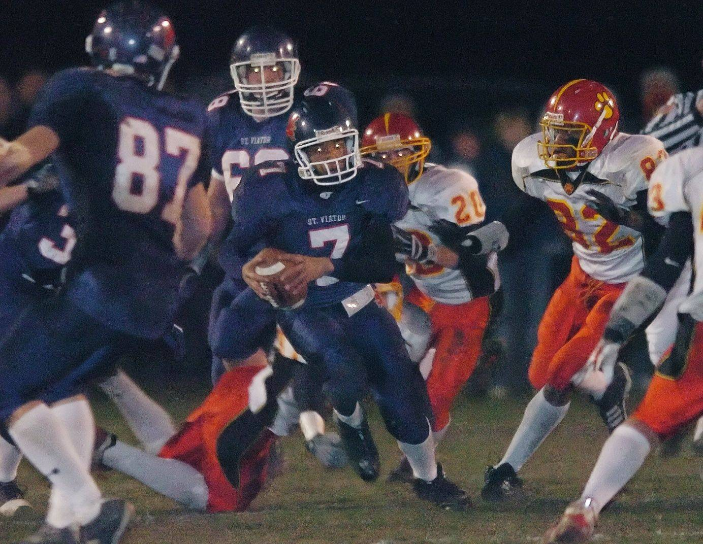 Dante Warren quarterbacked St. Viator to a second-round playoff appearance in 2006. Warren went to South Dakota and has been invited to participate in the second annual FCS Senior Scout Bowl on Saturday in Myrtle Beach, S.C.