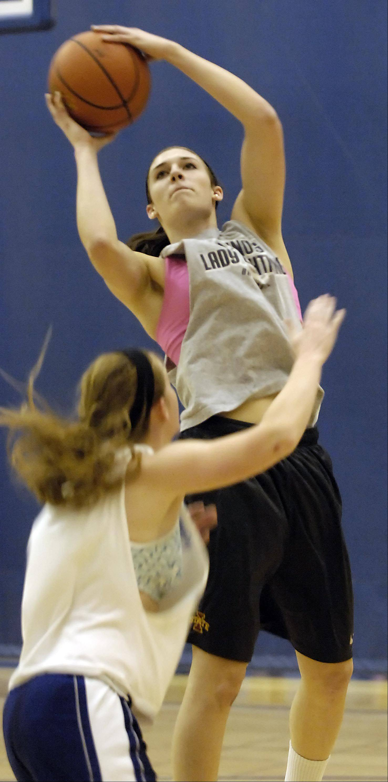 Sami Pawlak at the Geneva Vikings girls basketball team practice Monday.