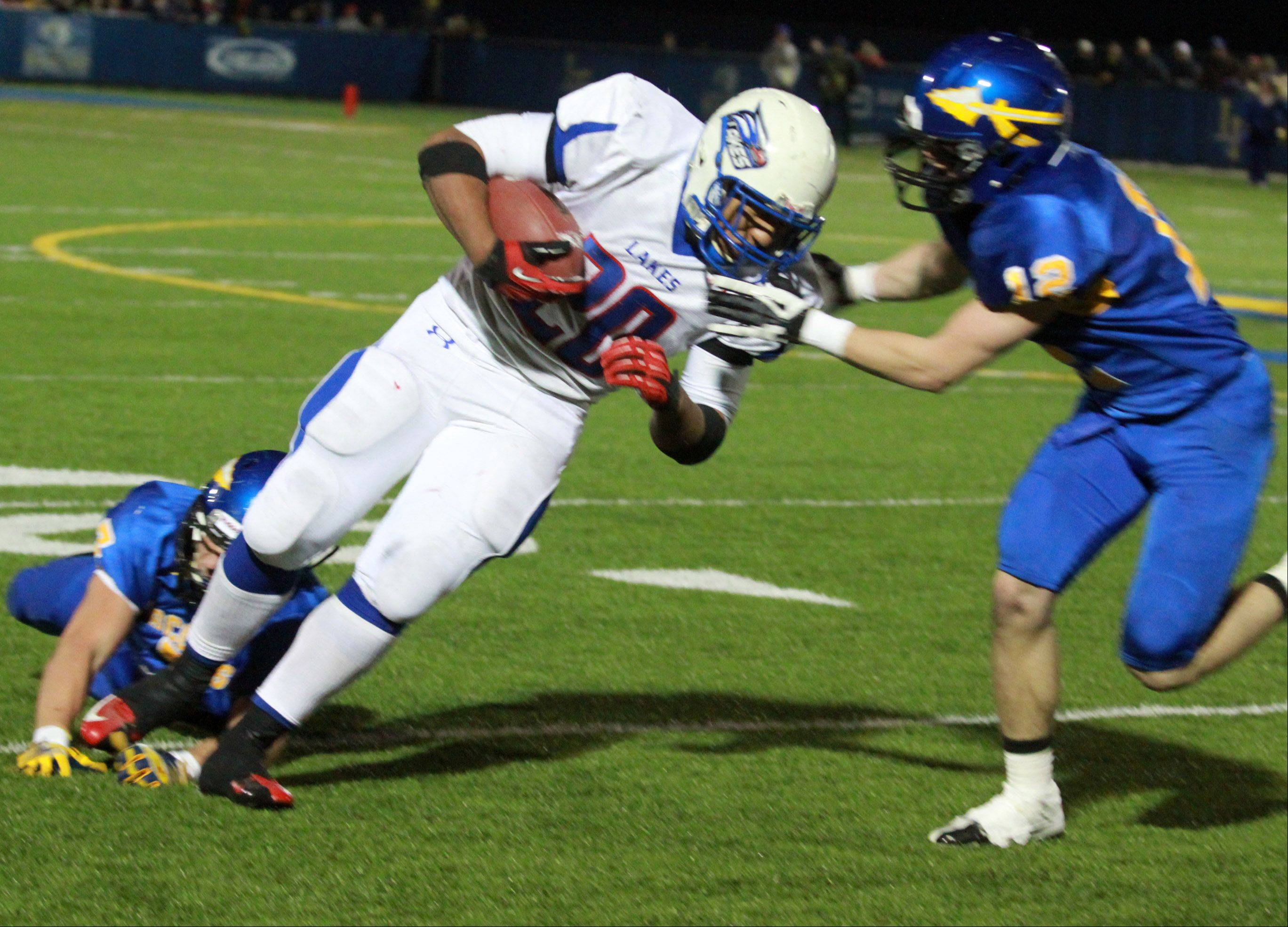 Images: Lake Forest vs. Lakes football
