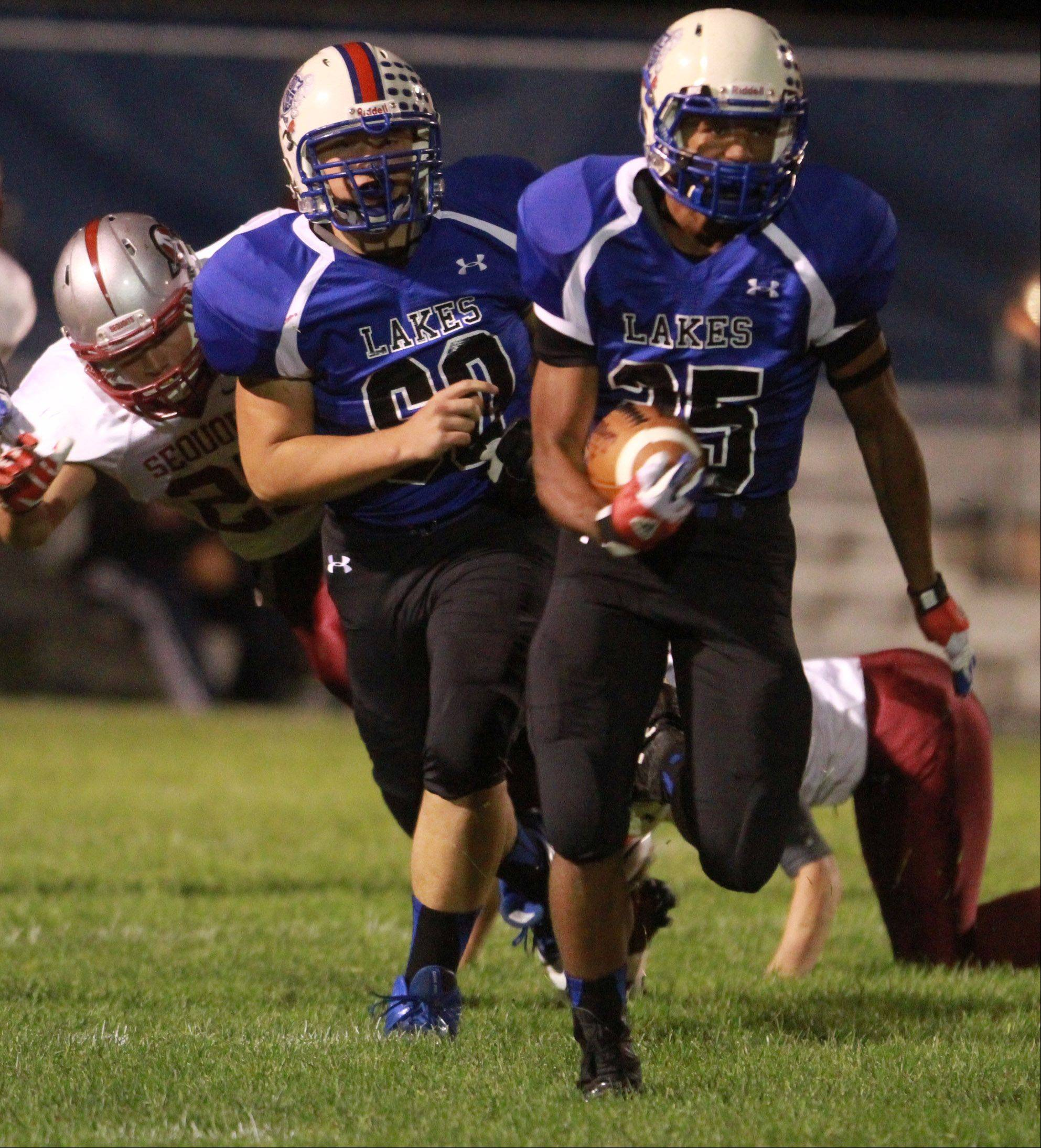 Lakes running-back Devyn Cedzidlo runs the ball.