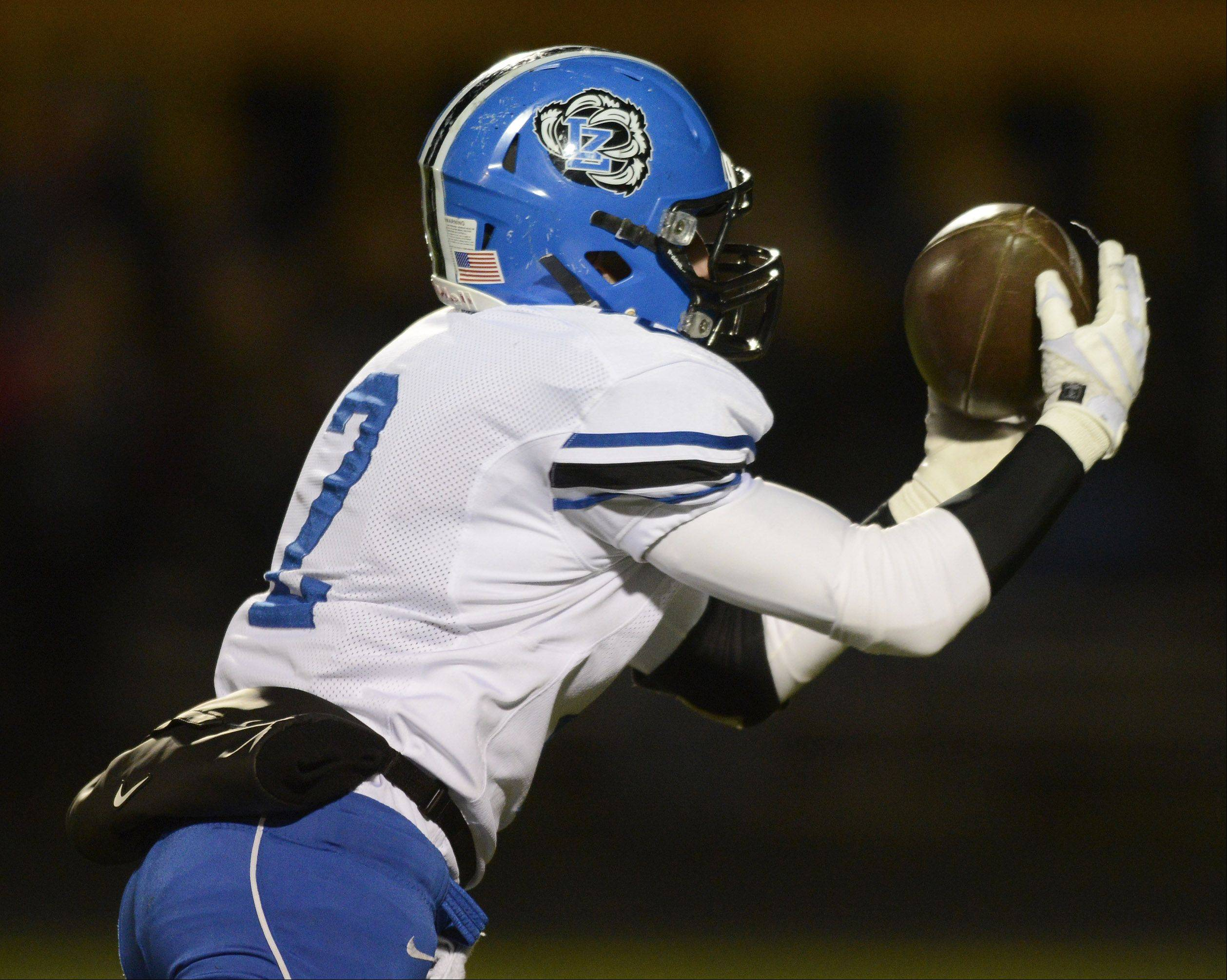 Lake Zurich's Matt Moon catches a pass.