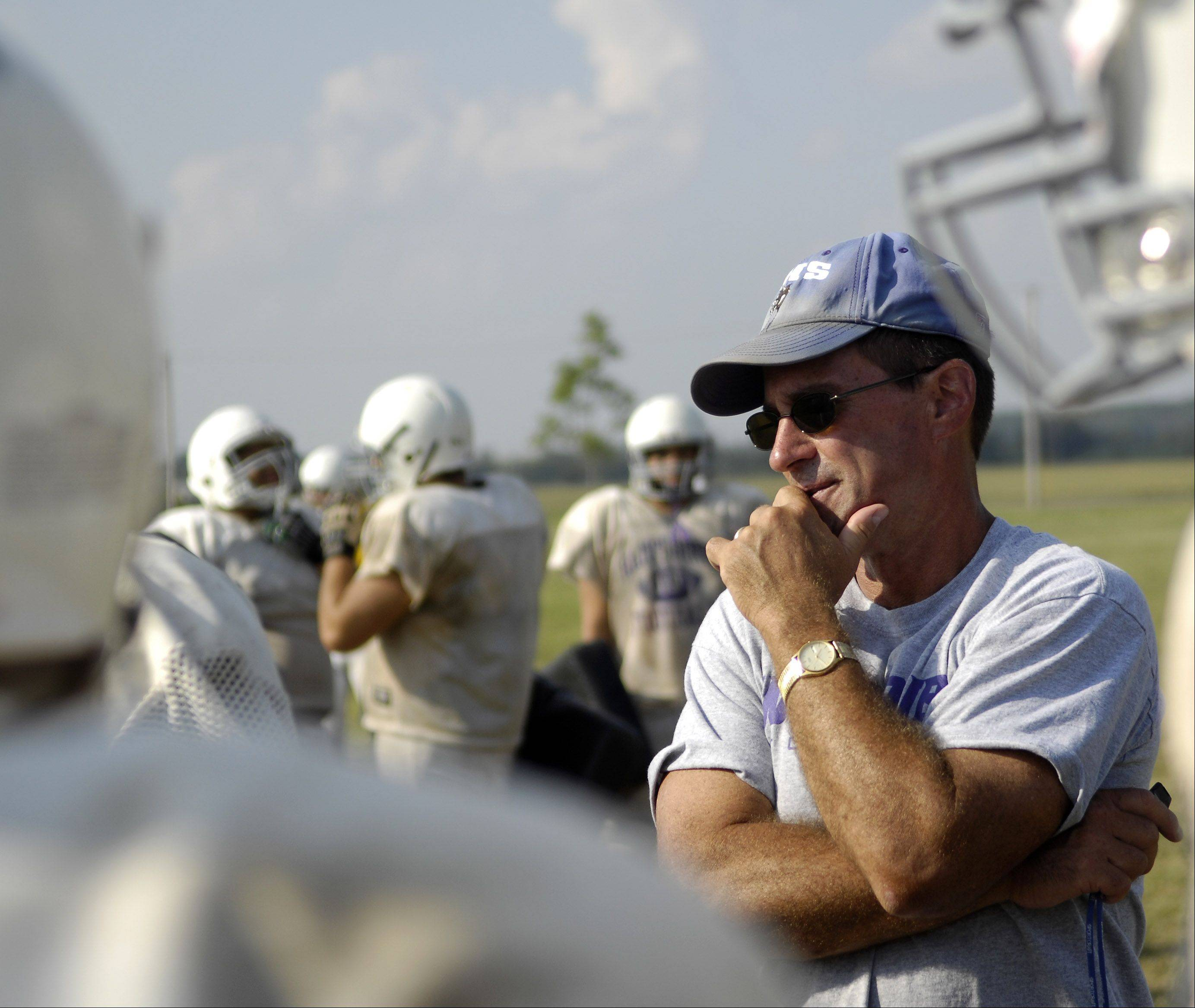 Hampshire football coach Dan Cavanaugh will retire at the end of the season after 25 years leading the Whip-Purs. Cavanaugh, who won a state title at Hampshire in 1995, has the Whips back in the playoffs, where they will face Kaneland on Friday night in a Class 5A opener.