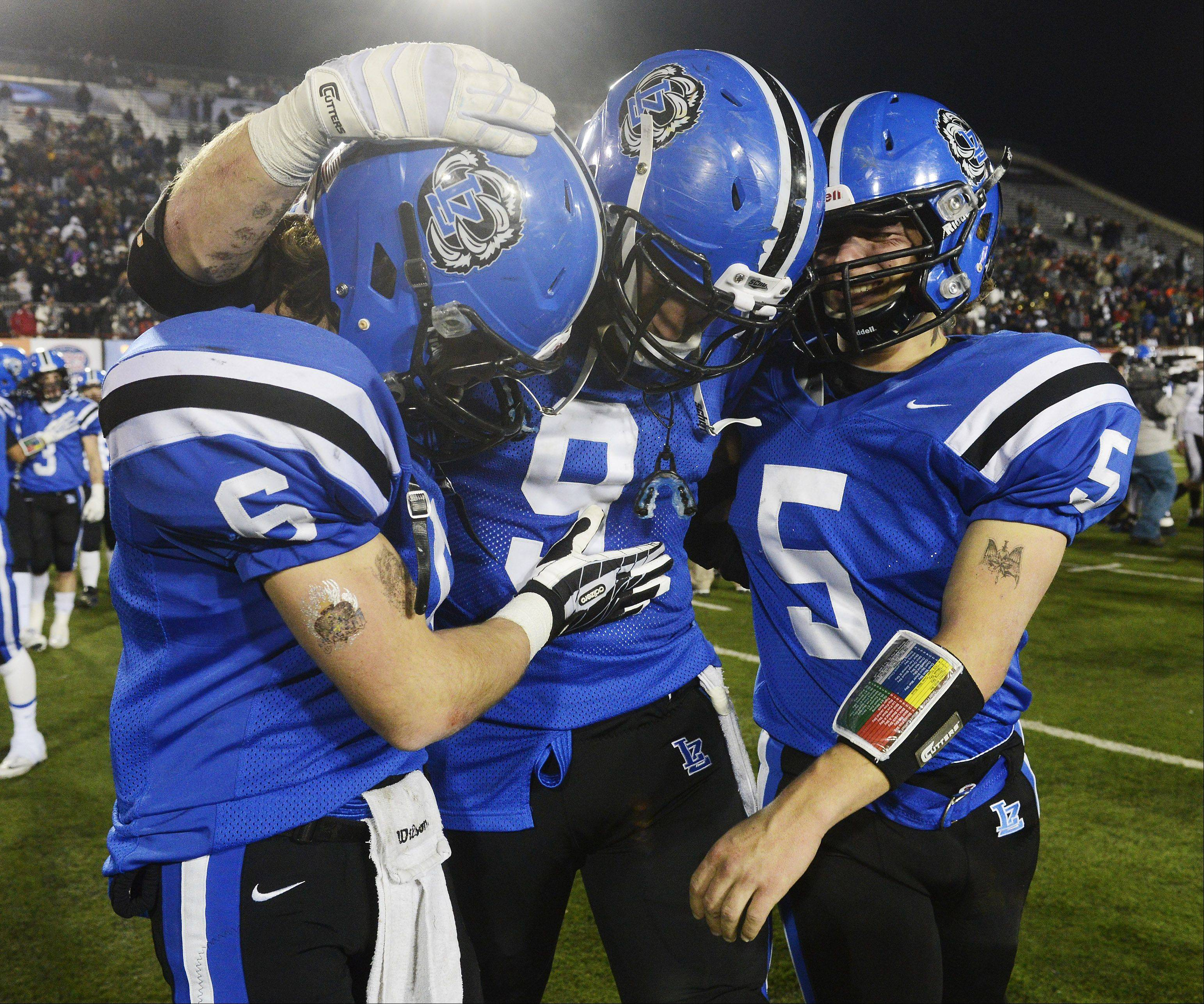 Images: Lake Zurich vs. Mt. Carmel football