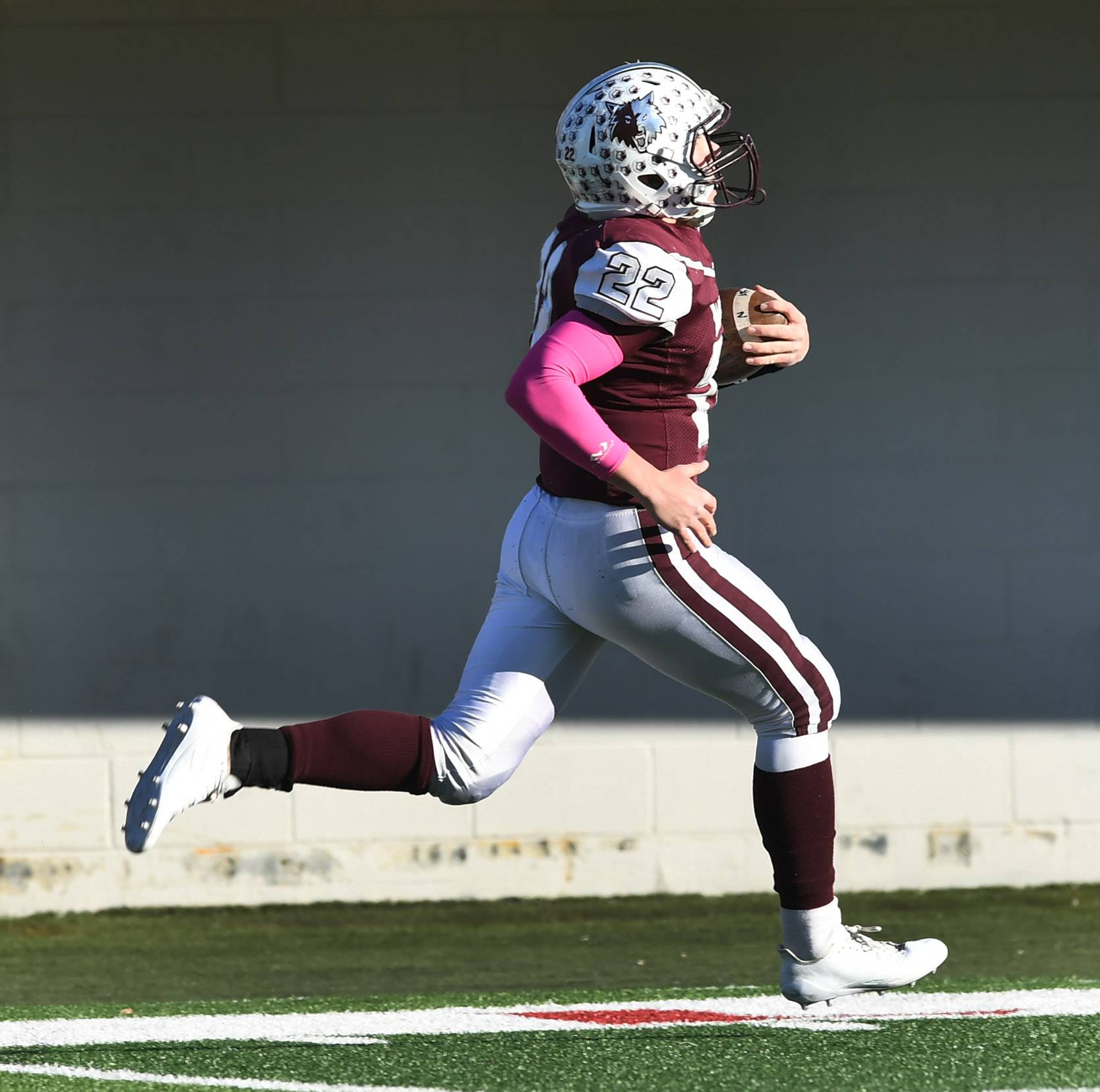 Prairie Ridge's Samson Evans carries for a touchdown on 78-yard punt return during the Class 6A championship game at Huskie Stadium in DeKalb Saturday.