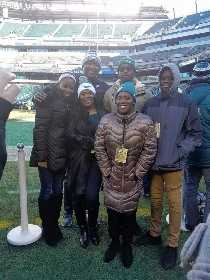 The full Daniels clan will take in the Super Bowl in Minnesota. Clockwise from left are DaKiya, Phillip, DaVaris, DaKendrick, Damara and Leslie.