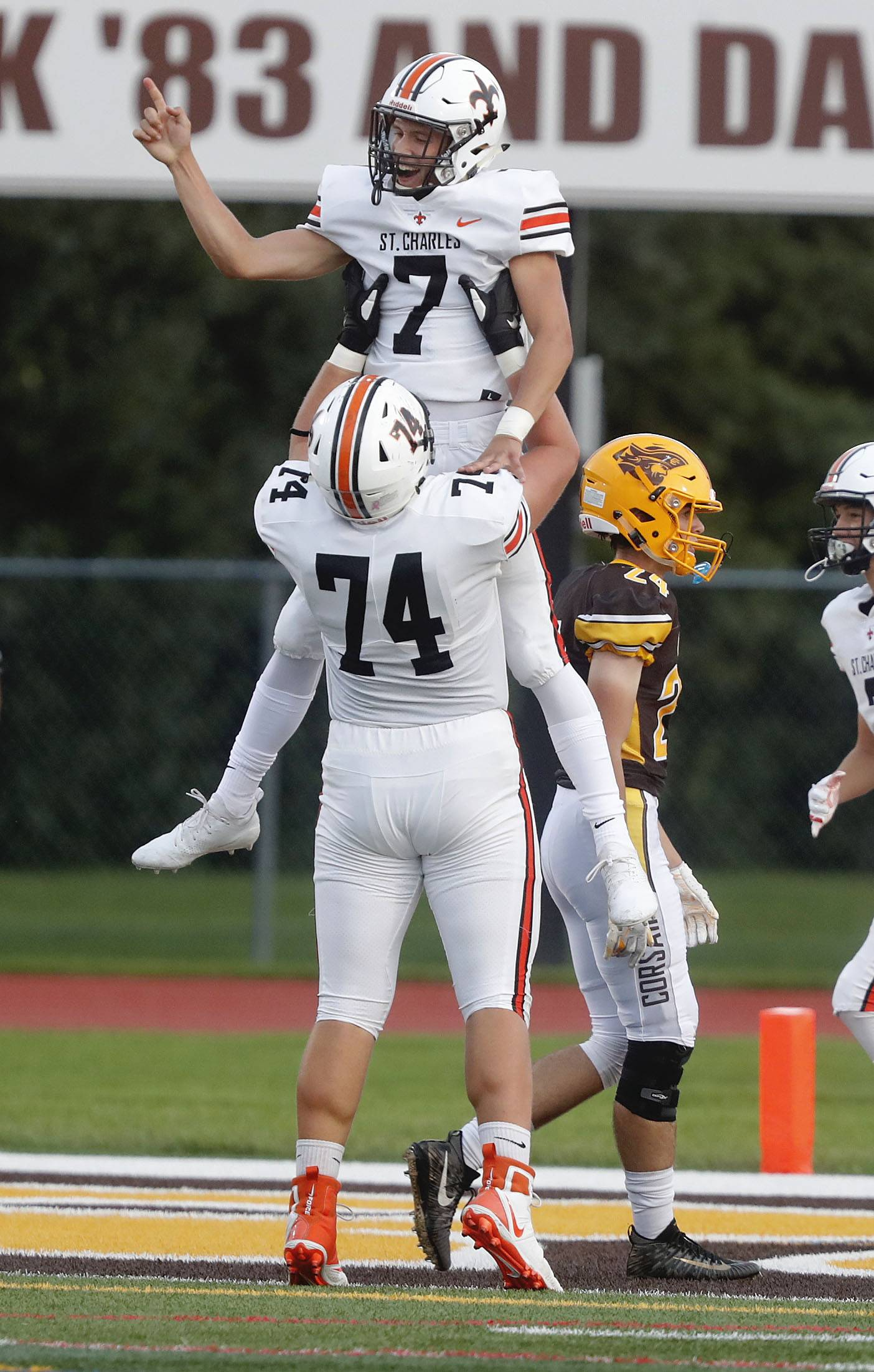 St. Charles East sprints past Carmel