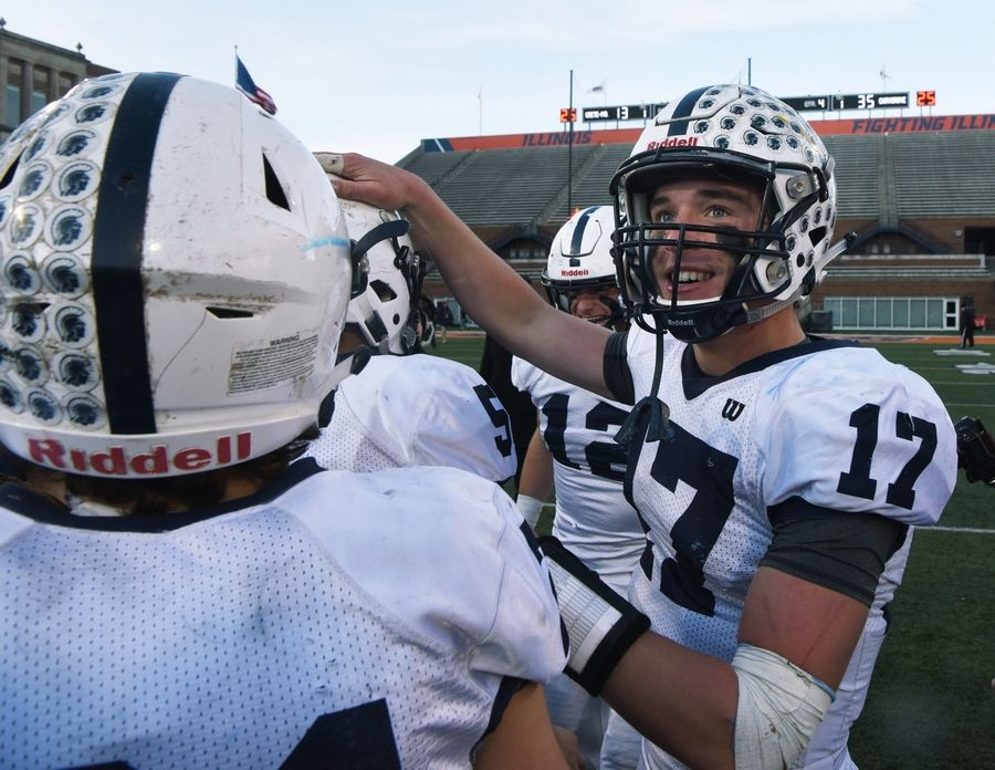 Cary Grove Claims Class 6a Football Championship