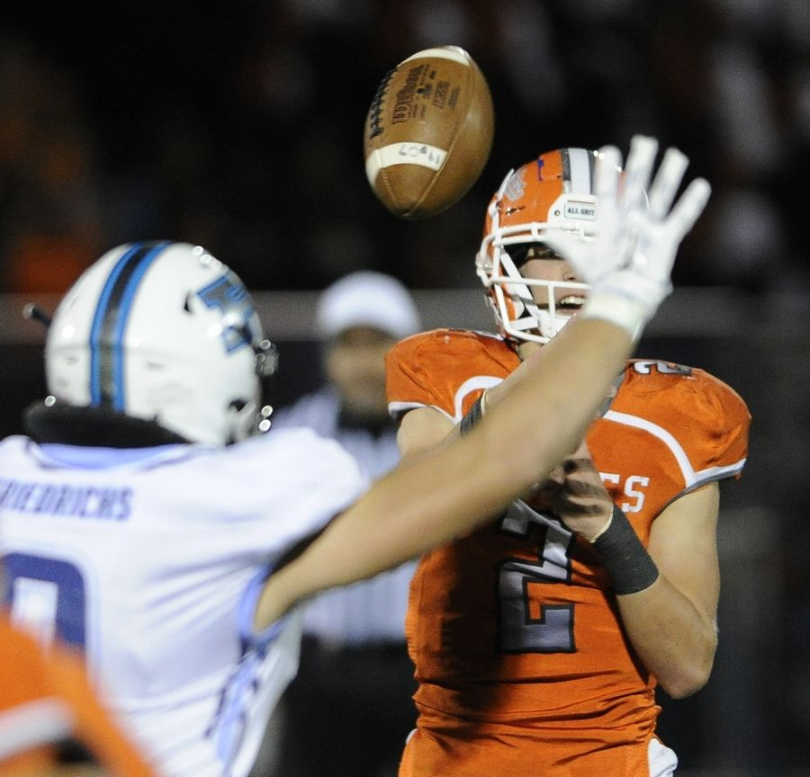 Hersey and quarterback Jordan Hansen host Rolling Meadows Friday night with the Mid-Suburban East title on the line.