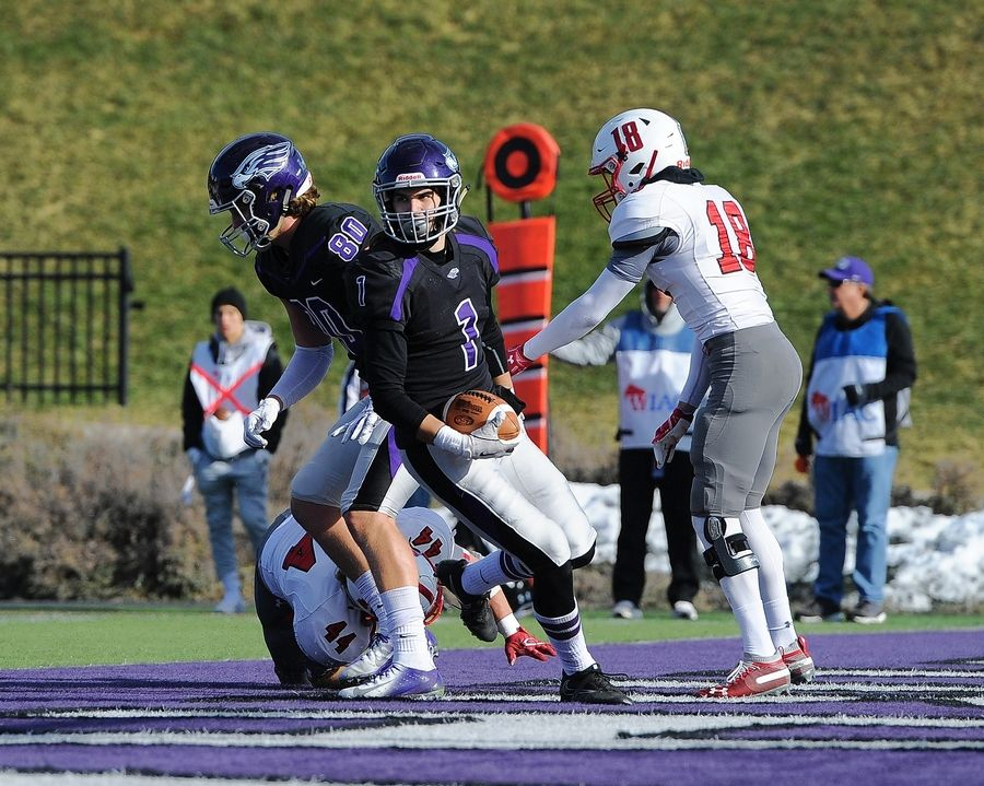 South Elgin graduate Derek Kumerow has been a key contributor for the Wisconsin-Whitewater football team, which will play North Central College on Friday in the NCAA Division III National Championship game.