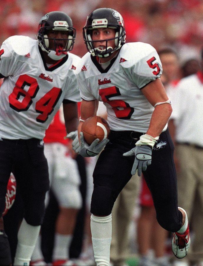 Dan Sheldon, playing for Northern Illinois, runs after a reception against Wisconsin in 2002.